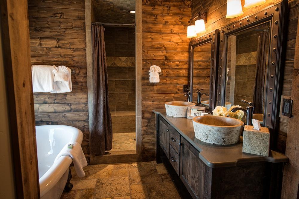 Ванная в стиле шале – сочетание уюта и брутальности