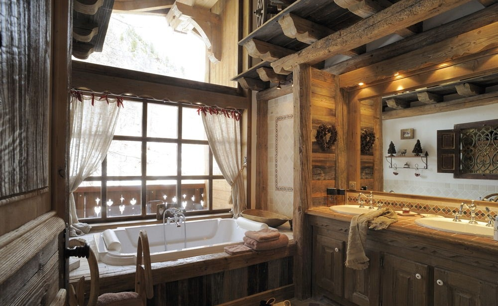 Ванная в стиле шале - это прежде всего очень уютное пространство