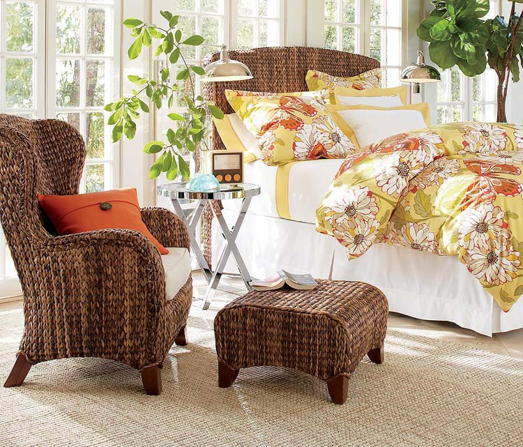 Плетеная мебель в спальне