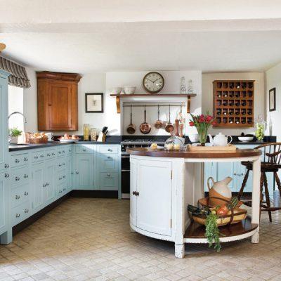 Столик барный на кухне