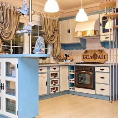 Голубой угоок кухни