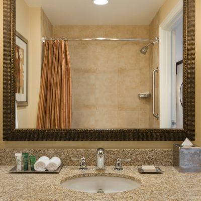 Классика и хай тек ванной