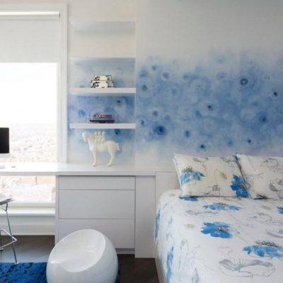 Голубые оттенки в спальне