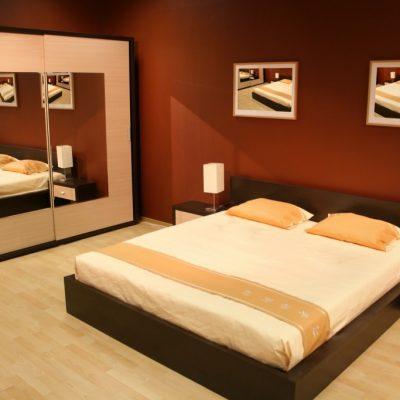 Стандартный спальний гарнитур