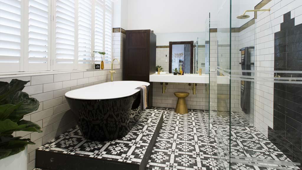Расположение деталей ванной