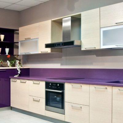 Фиолетовый цвет кухни