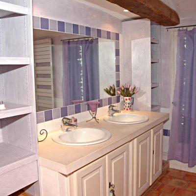 22фиолетовая ванная