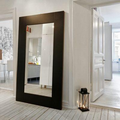 Зеркало длинное в раме