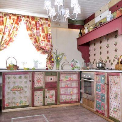 русский стиль кухни из дерева на фото в интерьере