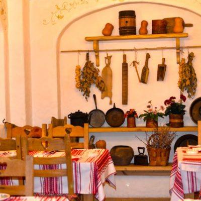 Вид на кухню на фото в русском стиле