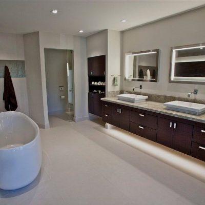 Стенка в ванной