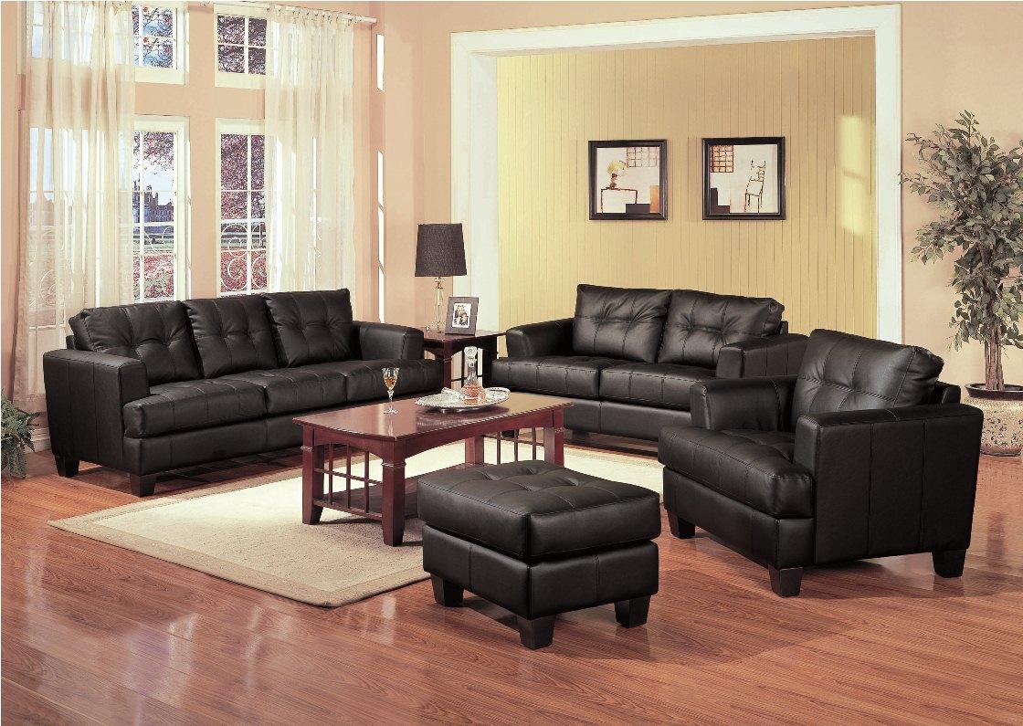 Черная кожаная мебель