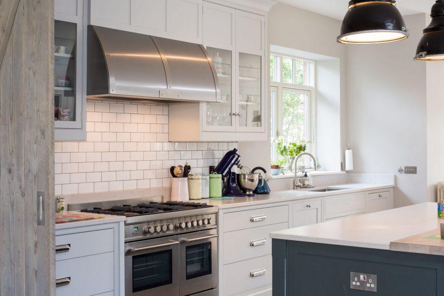 Бело-черная идея кухни