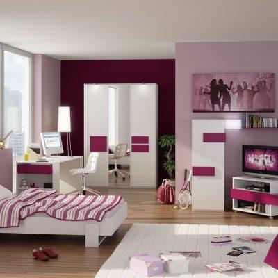 Розовые оттенки спальни