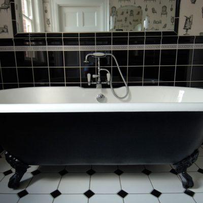 Ванная черного цвета