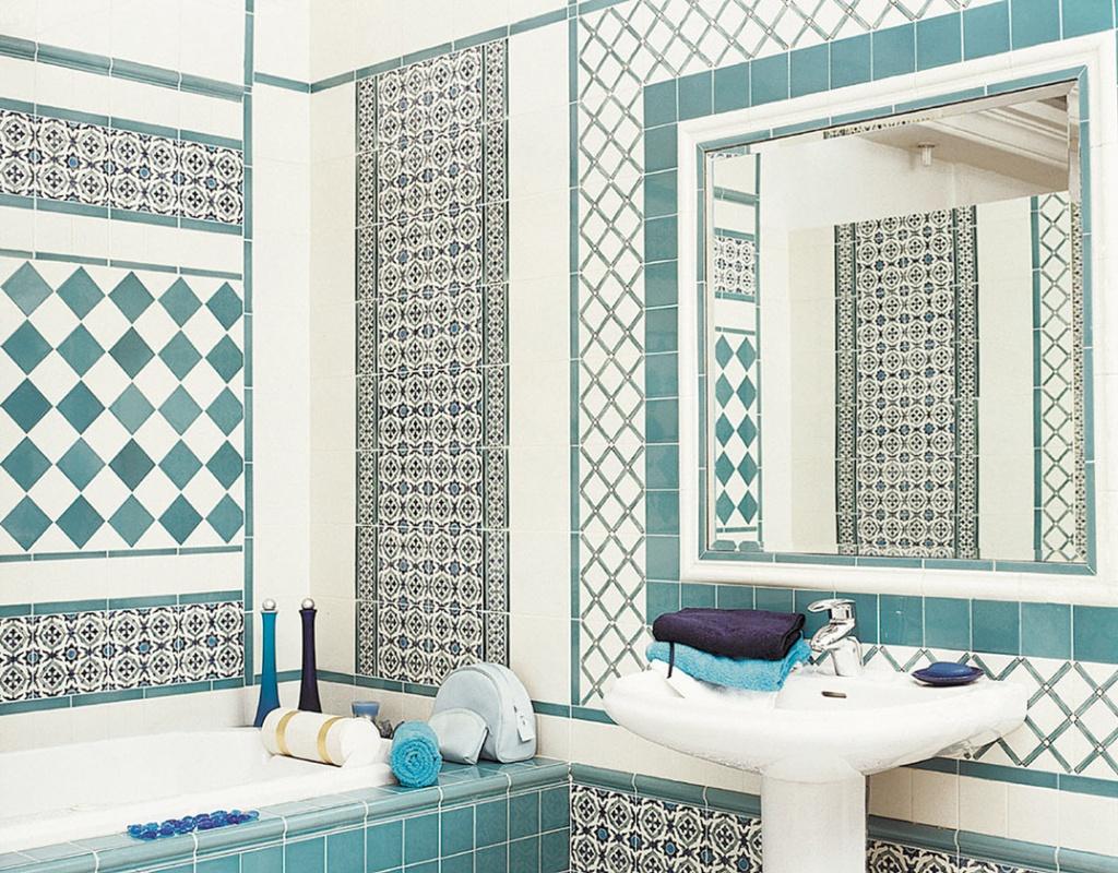 Голубой нежный цвет ванной