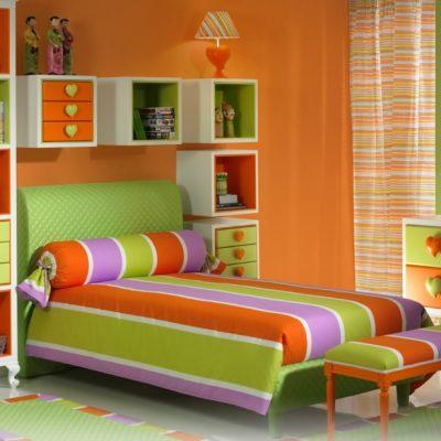 Яркие цвета в детской