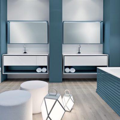 Голубая отделка ванной