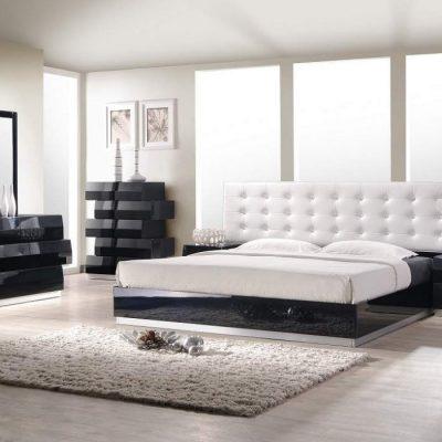 Мягкое изголовье кровати в белом цвете