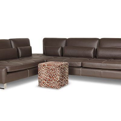 Пример дивана для гостиной