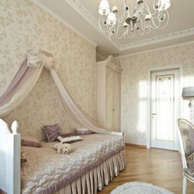 Громадная кровать