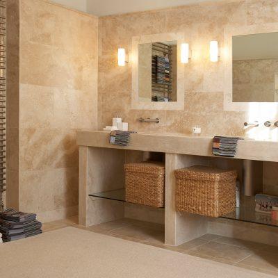 Зеркала в интерьере ванной