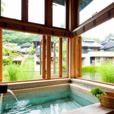 Вид из окна в ванной