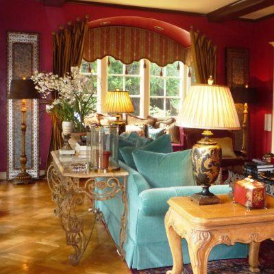 Яркие цвета в гостиной
