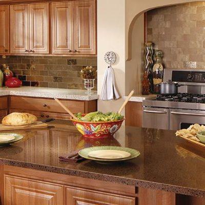 Обеденная стойка на кухне