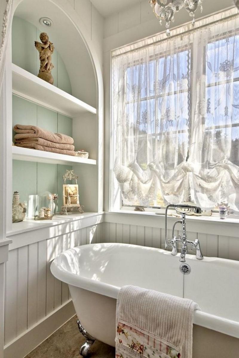 Открытые полки в ванной в стиле прованс
