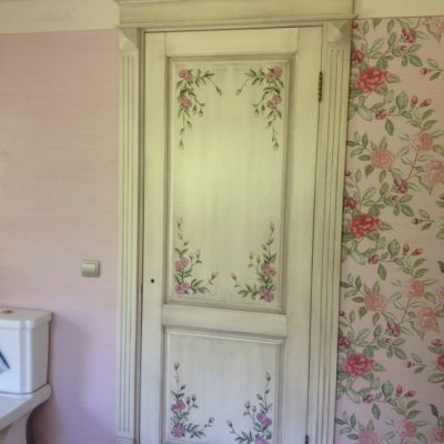 роспись двери в ванной в стиле прованс