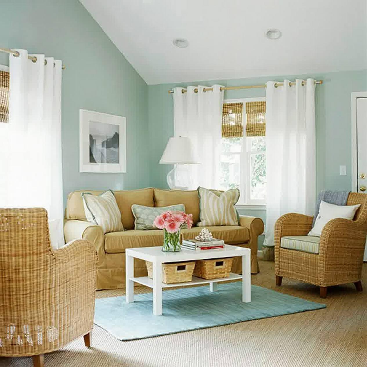 Плетеная мебель прекрасно подойдет для интерьеров прованс