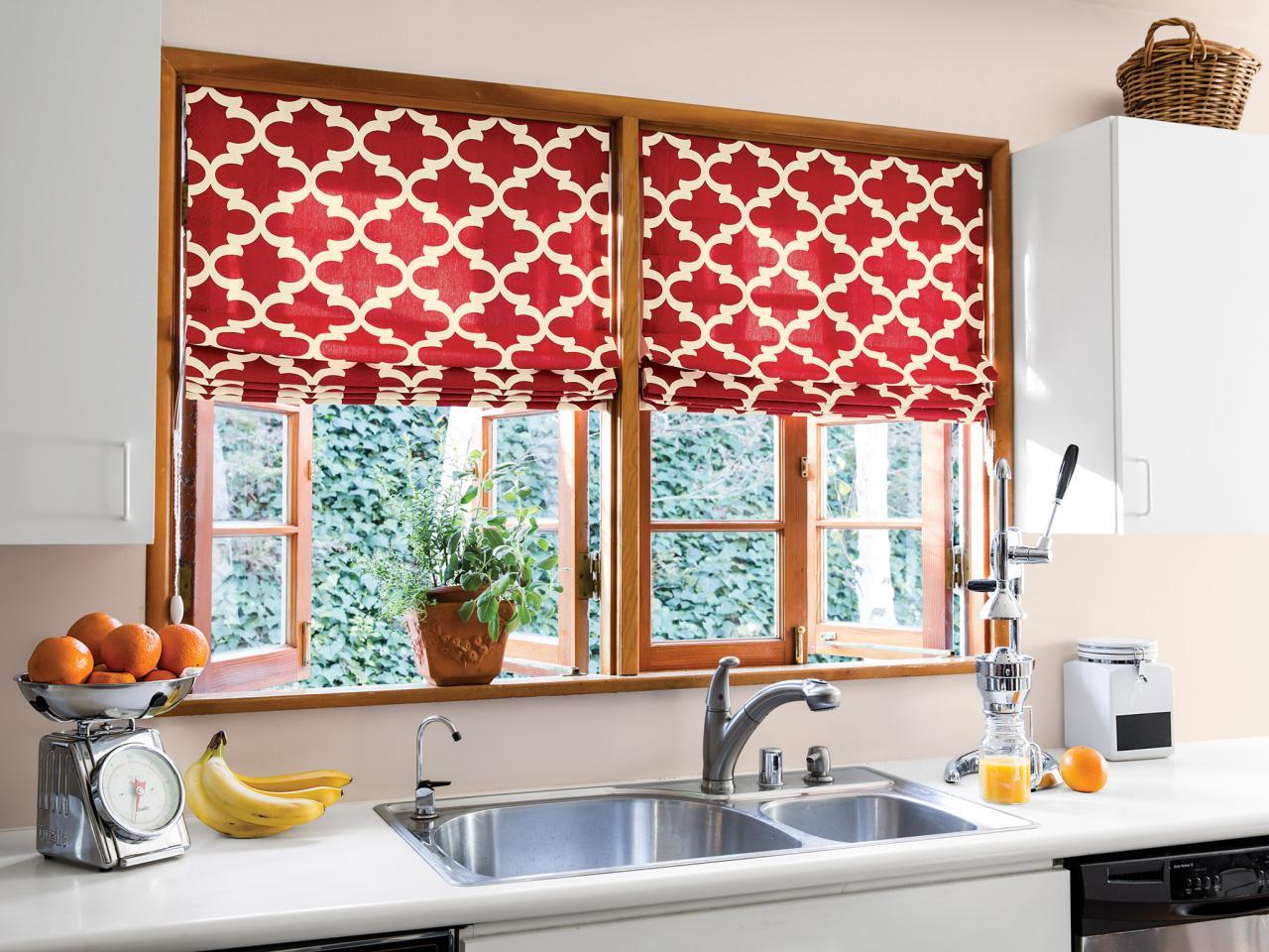 Современные шторы на кухню – фото новинок
