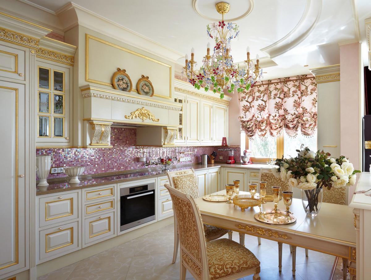 Роскошные австрийские шторы дополнят интерьер в классическом стиле или барокко
