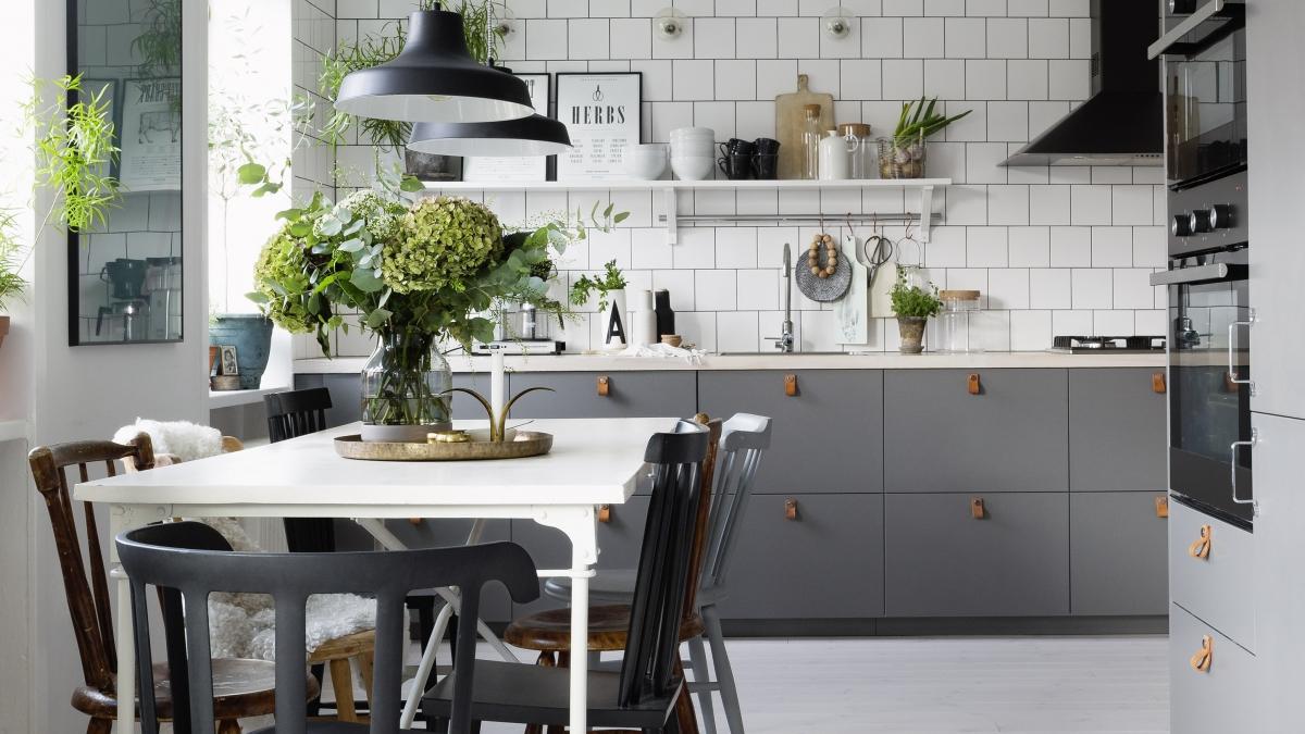 Серый в интерьере скандинавской кухни