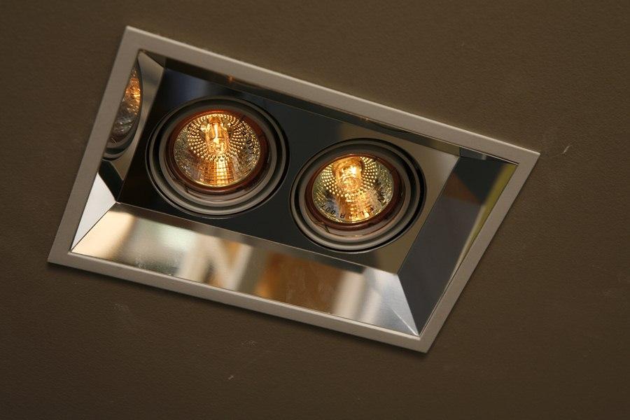 Галогенные лампы могут дать очень яркое освещение