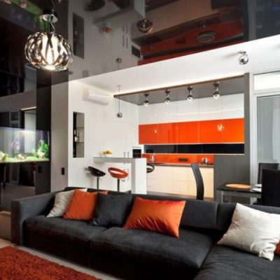 Пример обустройства гостиной комнаты интерьера хай тек стиля