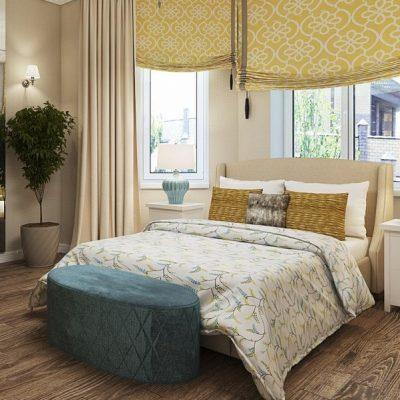 Королевская кровать в спальне американского стиля с окнами на фото