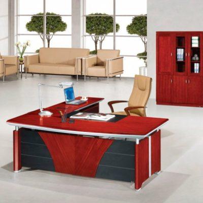 Офис кабинет красный