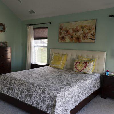 Оформление стен спальни