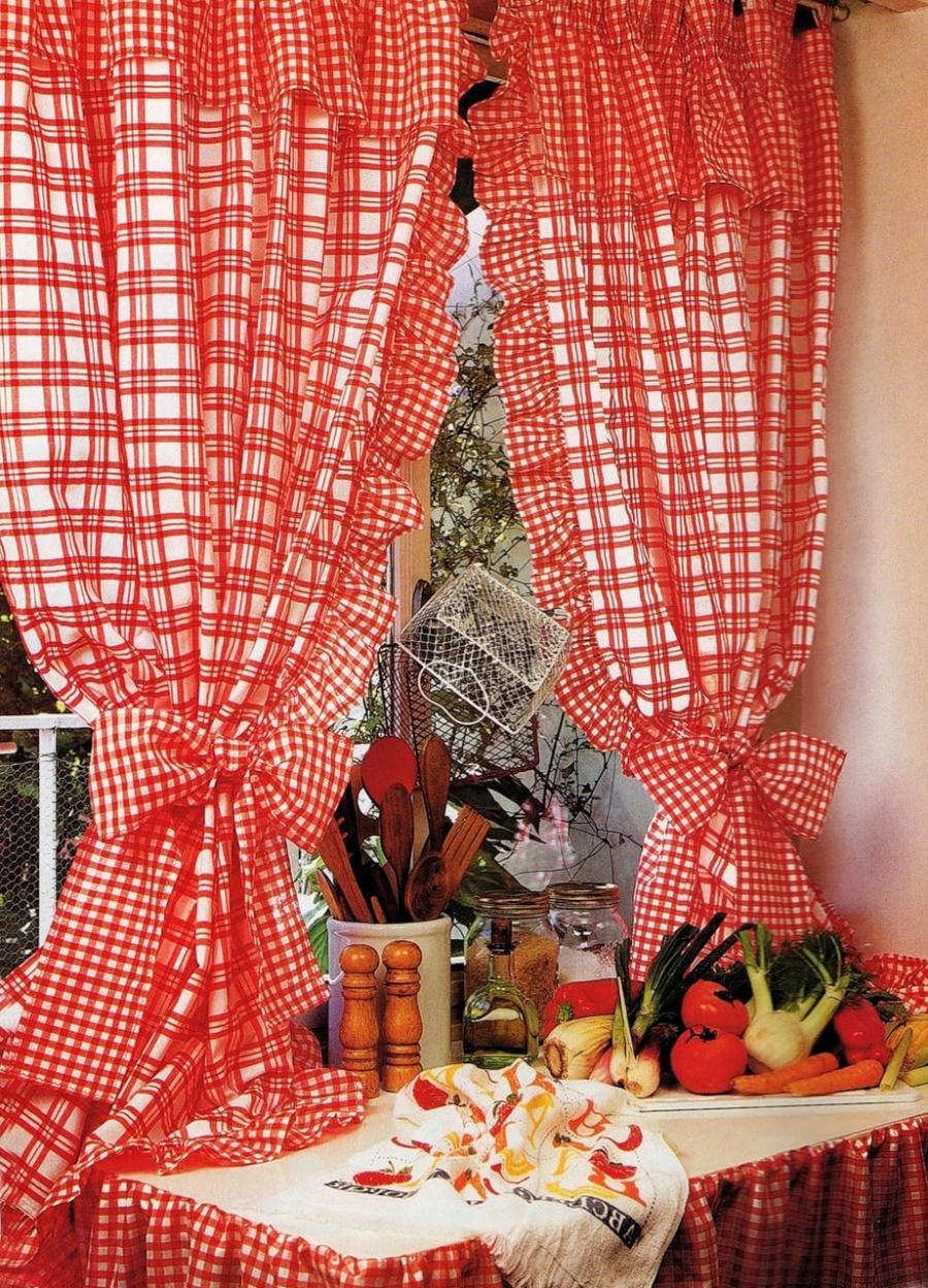 Как правильно приобрести шторы на кухню в деревенском стиле