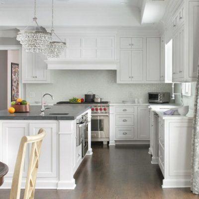 Варианты штор на кухню белые