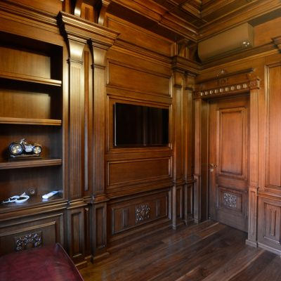 Детали кабинета классики стиля на фото