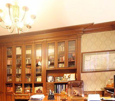 Яркое освещение кабинета