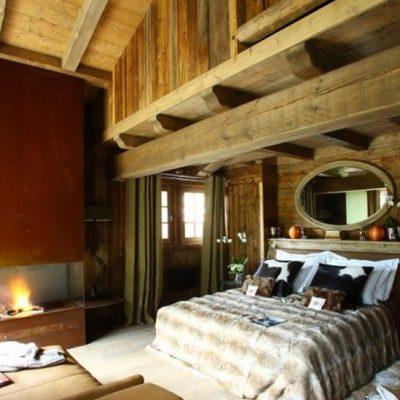 Отделка потолка спальни
