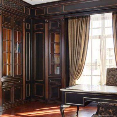Темная мебель в кабинете