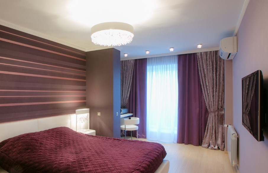 Шторы в спальне красивые
