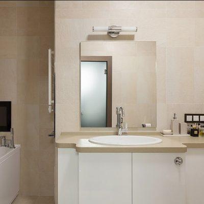 Телевизор для удобства и уюта в ванной