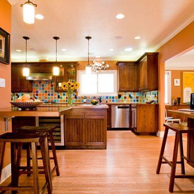 Множества вариантов освещзения на кухне