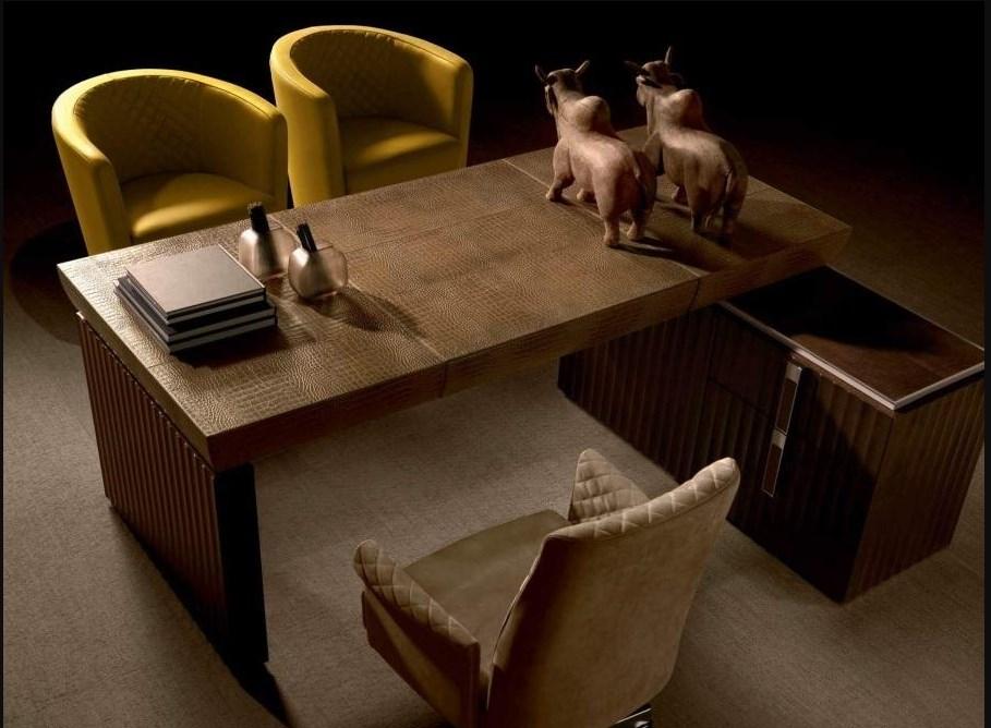 Стол для кабинета